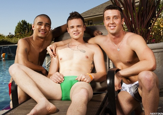 Horny twink threesome with Joey Hard, Jake Farren and Hollis Emery
