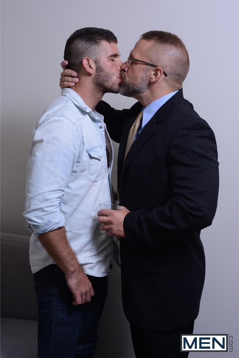 Men-com-Jimmy-Fanz-young-man-gay-Daddy-Hunt-dating-app-hooks-up-online-hot-daddy-Dirk-Caber-fuck-ass-005-tube-download-torrent-gallery-sexpics-photo