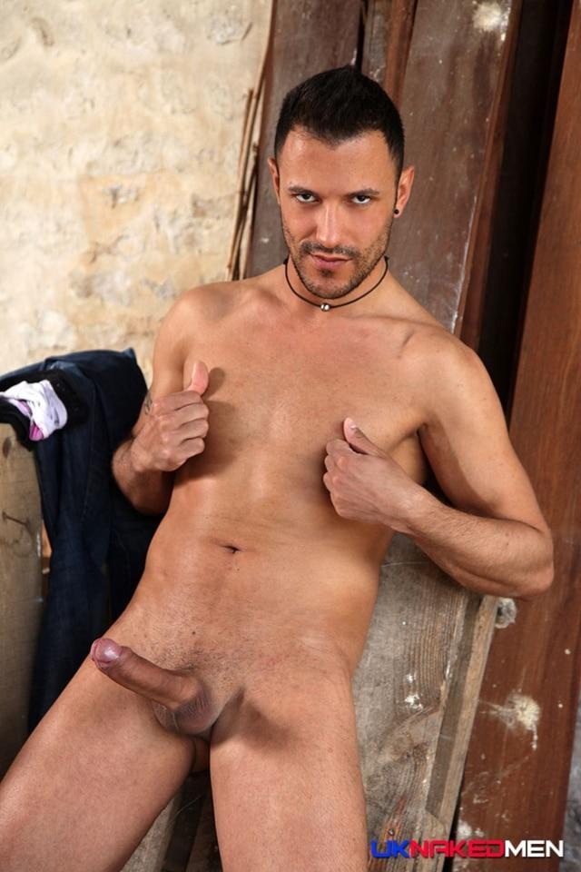 Juan-Perez-UKNakedMen-hairy-young-men-muscle-studs-British-gay-porn-English-Guys-Uncut-Cocks-07-gallery-video-photo