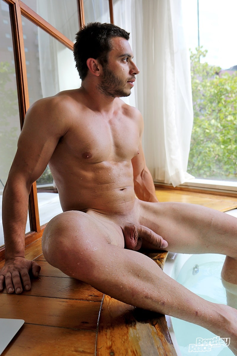 bentleyrace-sexy-young-australian-muscle-cub-stud-handsome-hunk-aussie-james-nowak-jerks-huge-thick-uncut-dick-hot-tub-cumshot-022-gay-porn-sex-gallery-pics-video-photo