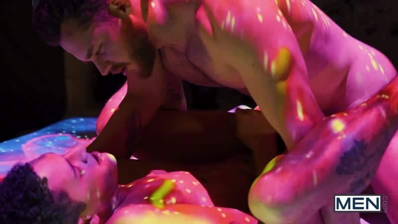 Men-Matthew-Camp-fucks-Enzo-stroke-deep-ass-025-Gay-Porn-Pics