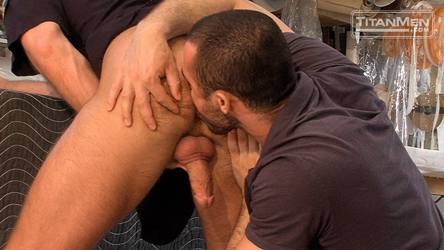 Titan-Men-Jessy-Ares-Hunter-Marx-spitting-dick-cock-ass-fucking-009-male-tube-red-tube-gallery-photo