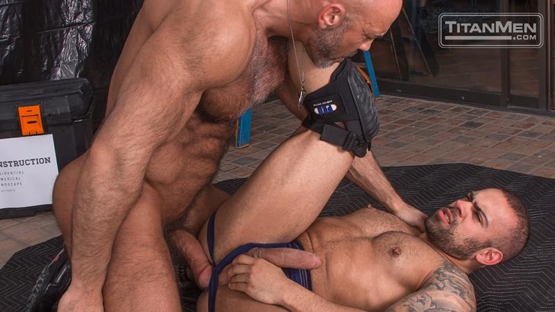 titanmen-naked-older-matur-muscle-men-parole-officer-jesse-jackman-fucks-ass-parolee-lorenzo-flexx-big-thick-long-dick-cocksucker-011-gay-porn-sex-gallery-pics-video-photo